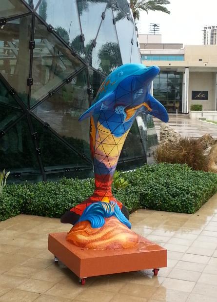 dali dolphin