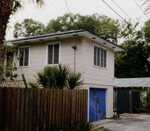 Garage Apartment-St. Pete