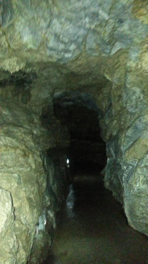 Oregon Caves passageway