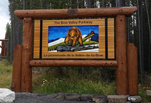 Bow Valley Prkwy sign