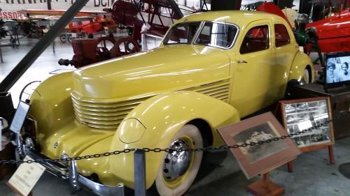 1936 Cord 810_2