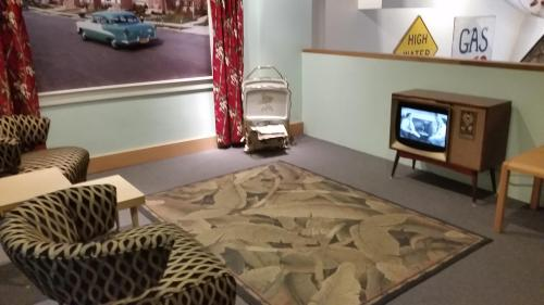 OHS museum 50s living room