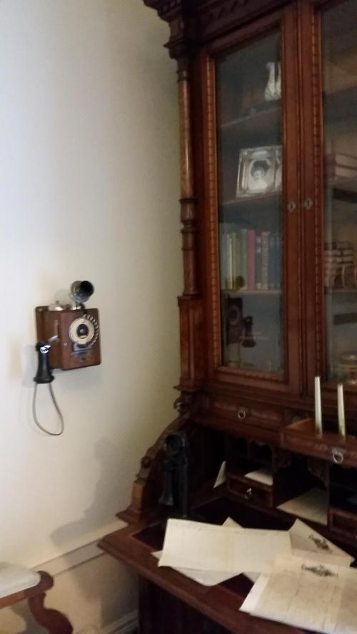 Pittock mansion secretary desk