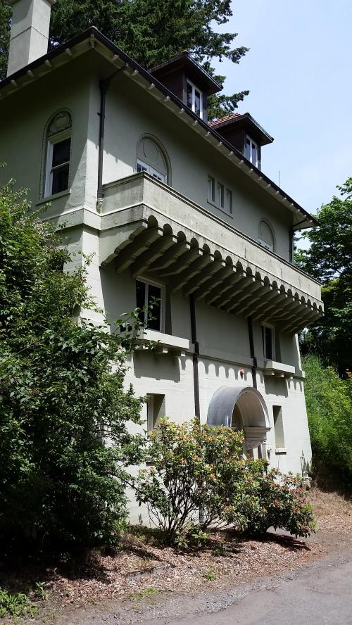 Pittock mansion stewards house rear