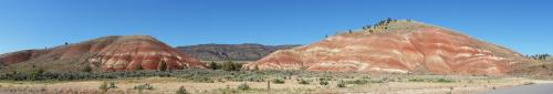 Painted Hills panorama near entrance 1