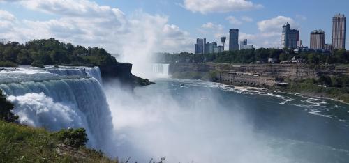 niagara-falls-american-and-canadian-falls-6
