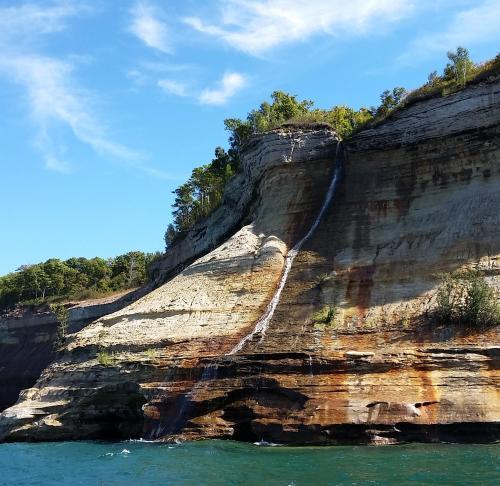 pictured-rocks-bridal-vail-falls-1