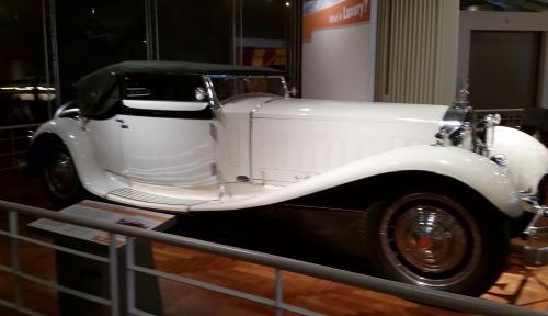 ford-museum-bugatti