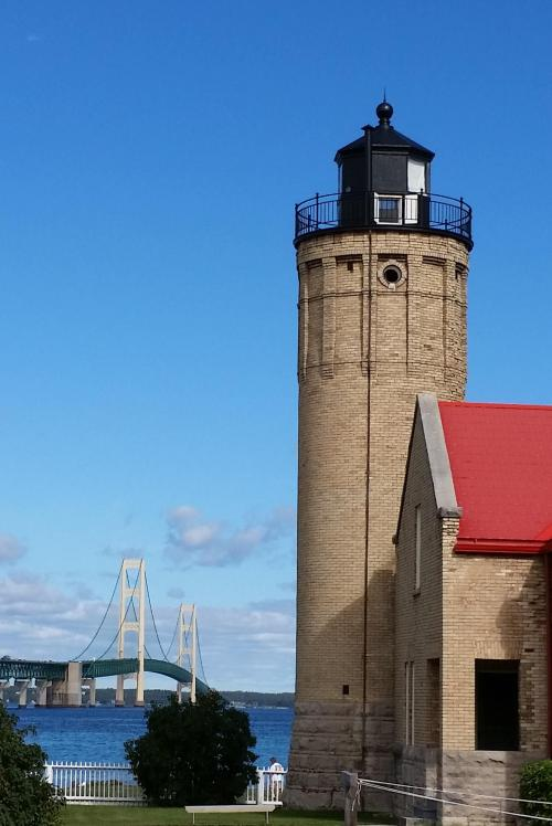 mackinaw-city-lighthouse-and-bridge-2