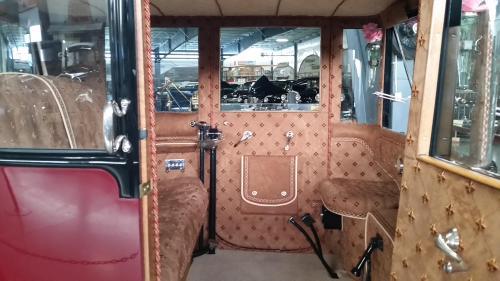 waam-1914-electric-car-interior-2