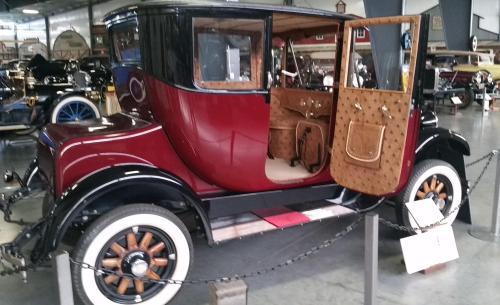 waam-1914-electric-car-side