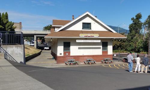 2017 Bday Mt Hood RR depot exterior