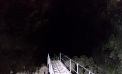 OR Newberry lava tube stairs 190624